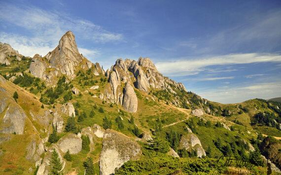 Muntii Ciucas – Vf Ciucas din Pasul Bratocea