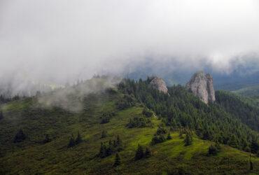 Ciucaș: vârful Ciucaș, între Pirușca și Dălghiu